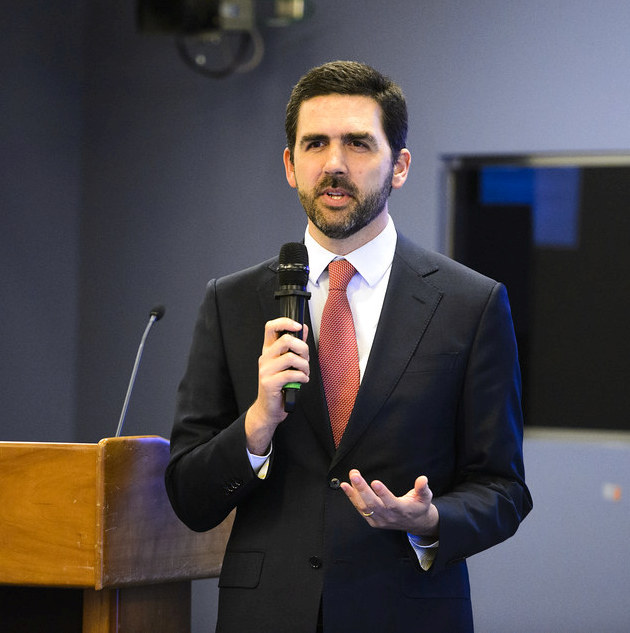 Francisco Moraes Leitao Campos, WBG Senior Economist, presented a study from the Gender Innovation Labs on registering businesses in Malawi. Photo: Joy Asico / World Bank